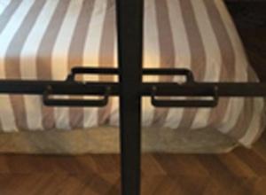 fermeture des ouvrants par aimant. Black Bedroom Furniture Sets. Home Design Ideas